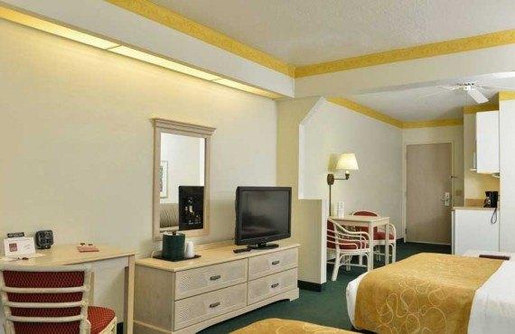 Comfort-Suites-Maingates-East-Miami-Chambre