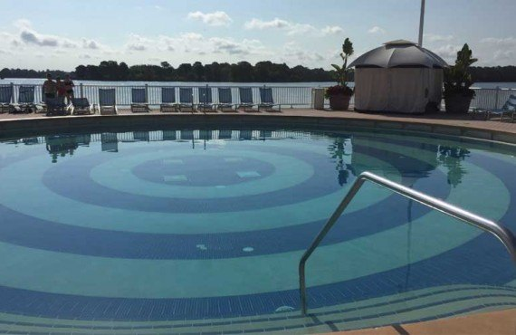 Disneys_Contemporary_Resort-Piscine