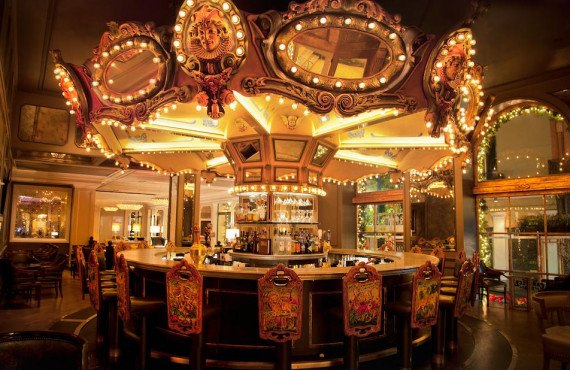 Hotel-Monteleone-Carousel-bar