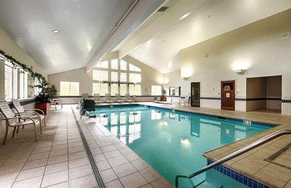 6-bw-grant-creek-inn-pool
