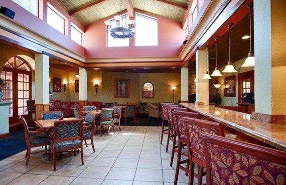 Best Western Plus El Rancho - Restaurant-Bar