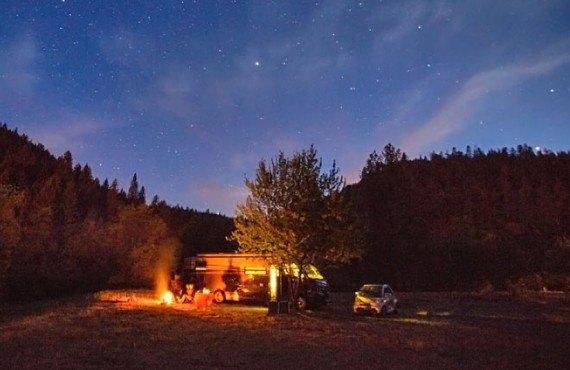 Camping Yosemite Lakes - Feu de camp