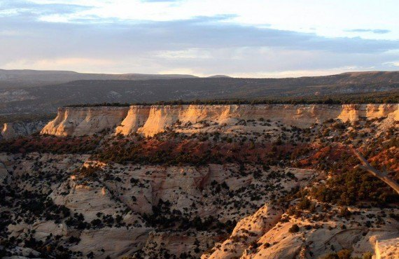 Lever du soleil dans le Dinosaur National Park