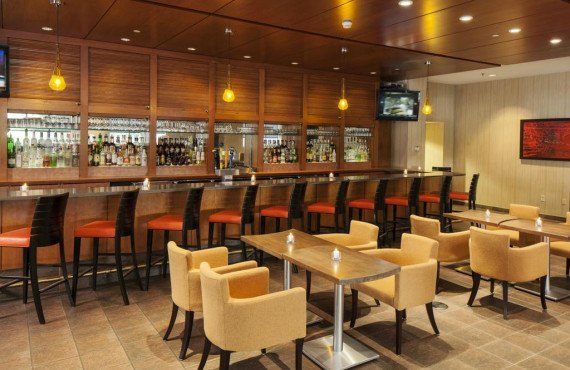 6-doubletree-boston-restaurant.jpg