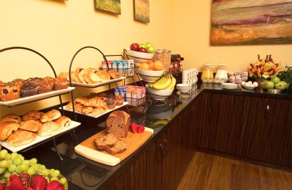 Elan Hotel - Petit-déjeuner