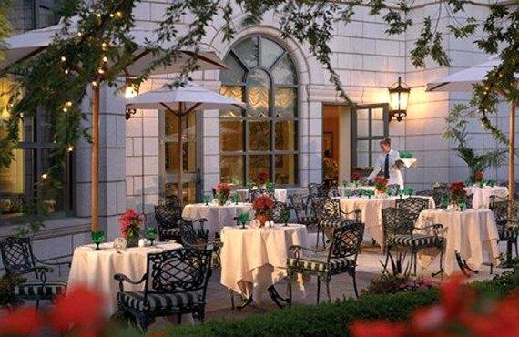Grand America Hotel - Repas plein air