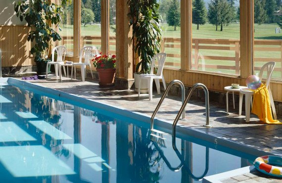 6-grouse-mountain-lodge-pool.jpg