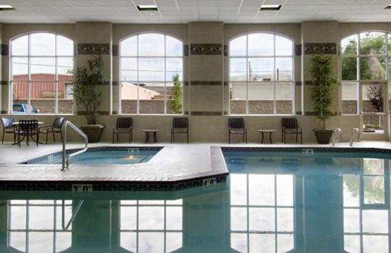6-hilton-garden-inn-slc-dowtown-pool