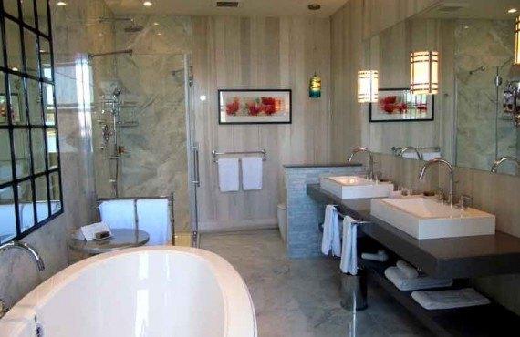 Manoir Hovey - Salle de bain d'une chambre