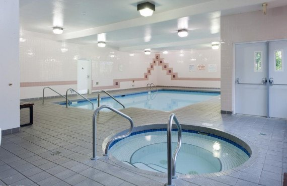6-quaaout-lodge-spa.jpg