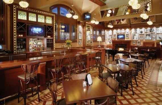 6-rimrock-resort-bar