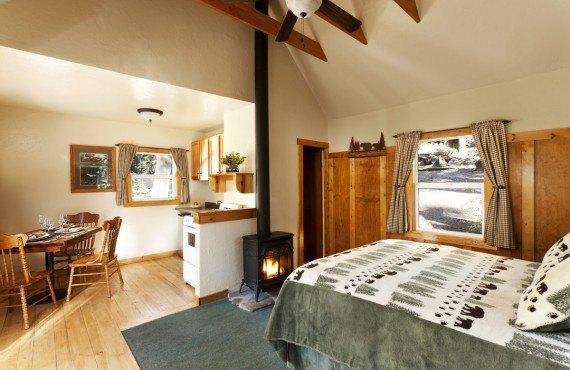 6-tamarack-lodge-studio-chalet