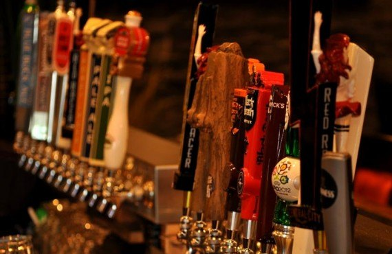 7-bw-sands-vancouver-bar