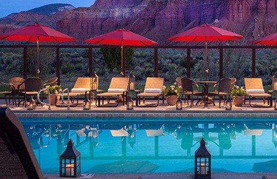 7-capitol-reef-resort-pool