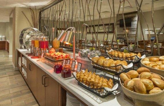 Petit-déjeuner style buffet