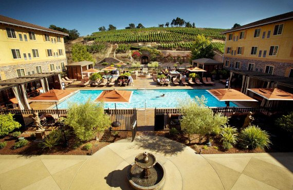 7-meritage-resort-and-spa-piscine-exterieure.jpg