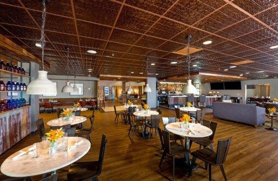 Restaurant Latitude 105