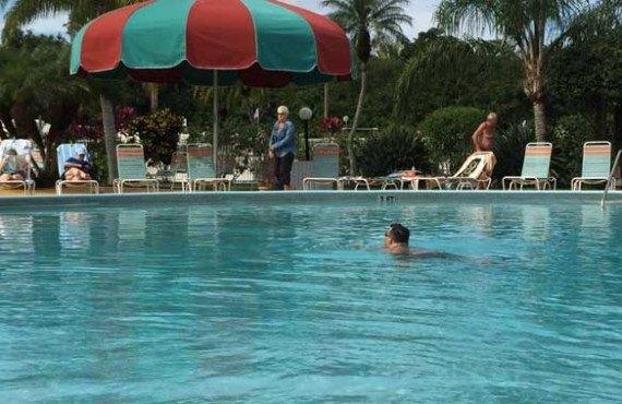 8-Miami-Everglades-RV-Resort-Piscine