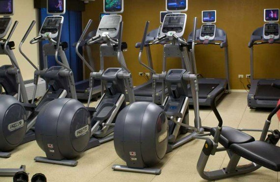 8-doubletree-denver-gym