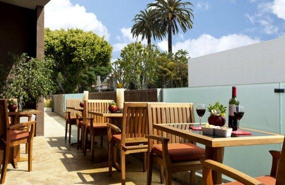 8-elan-hotel-terrasse