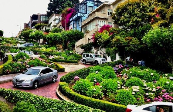 Lombard street, la rue la plus sinueuse au monde