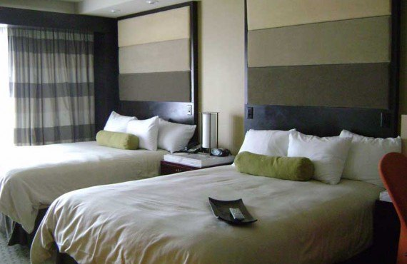 Disneys_Contemporary_Resort-Chambre-1