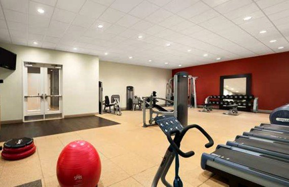 DoubleTree by Hilton Universal - Salle de Gym