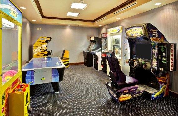 9-hampton-inn-cape-cod-arcades.jpg
