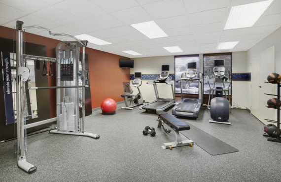 hampton-inn-lancaster-gym