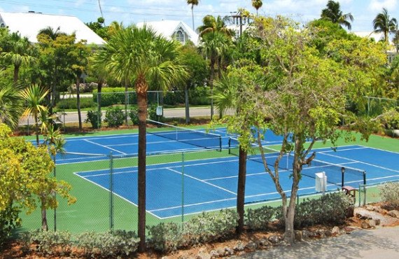 9-sanibel-inn-tennis.jpg
