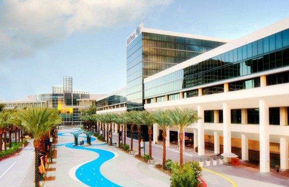 Hilton Anaheim - Fountain view