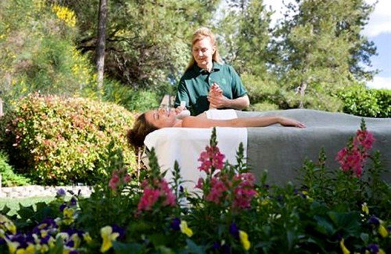 The Pines Resort - Massage