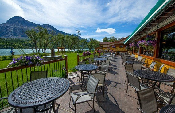 Waterton Glacier Suites - Terrasse