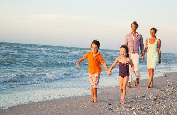 Sundial Beach Resort - Promenade sur la plage