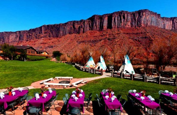 Red Cliffs Lodge - Repas plein air