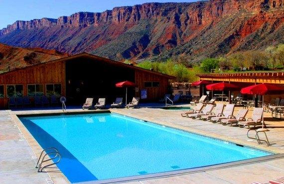 94-red-cliffs-lodge-piscine