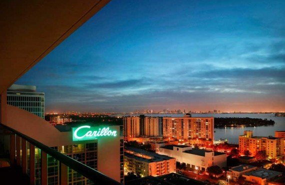 Carillon-Hotel-and-Spa-Miami-Balcon