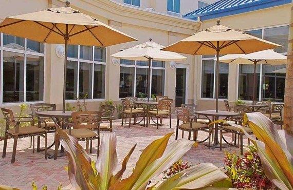 Hilton Garden Inn Miami Airport-Terrasse