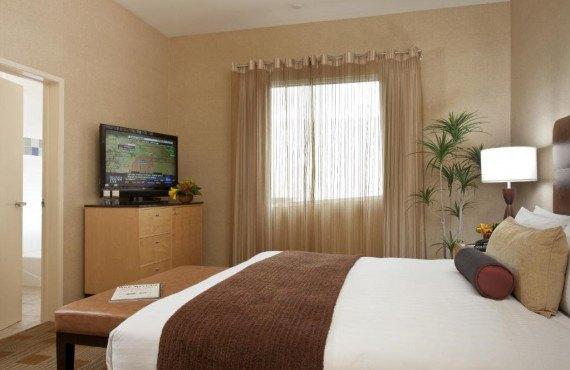 elan-hotel-deluxe-double-1.jpg