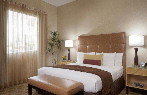 elan-hotel-executive-king-1.jpg