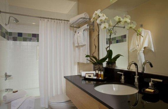 elan-hotel-suite-3.jpg