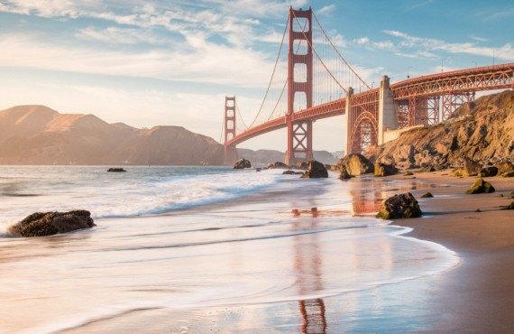 Vue sur le Golden Gate Bridge à partir de Baker Beach