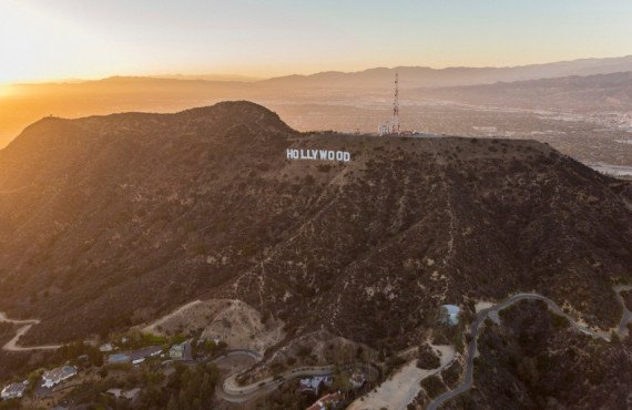 Vue sur les lettres Hollywood à partir de Griffith Park