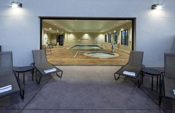 hampton-inn-page-piscine.jpg