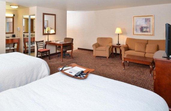 hampton-inn-suites-kingman-chb-1webp.jpg
