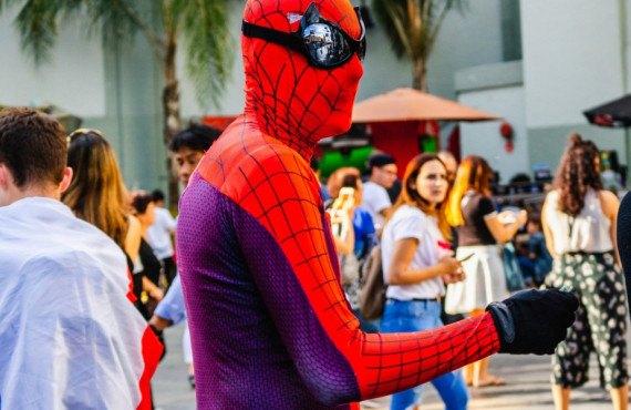 Spider-man sur le Hollywood Boulevard à Los Angeles