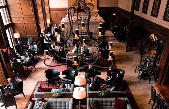 lakspur-lounge.jpg