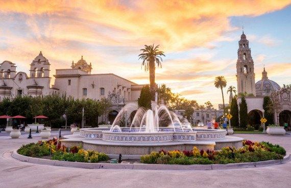Fontaine Bea Evenson dans le parc Balboa