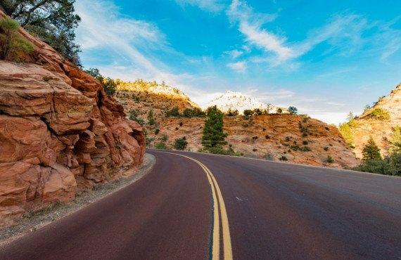 Zion-Mt.Carmel Highway moto