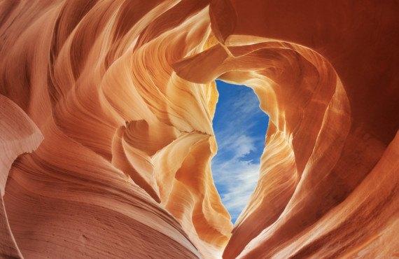 Vue au ciel à partir d'Antelope Canyon